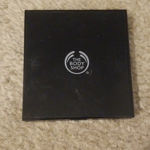 The Body Shop Contouring Palette